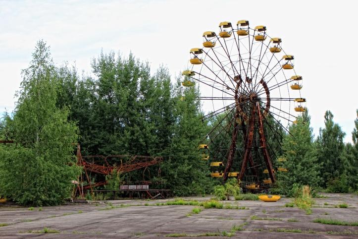 theme-park-1060287_1920
