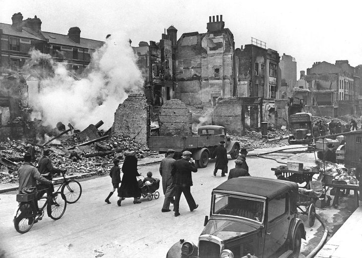 London bombings early 1940s WW2